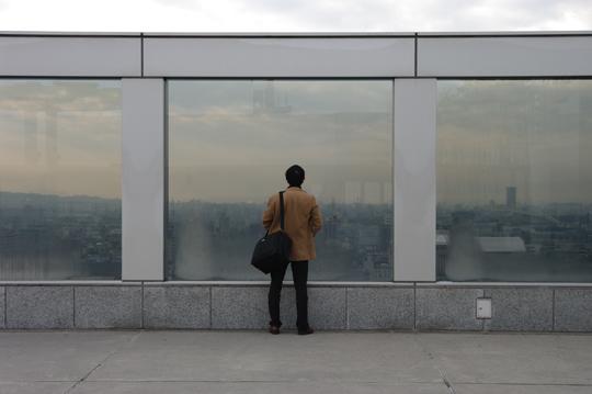 La grandeur d'une ville, d'un homme seul. © Joël Da Costa Ferreira