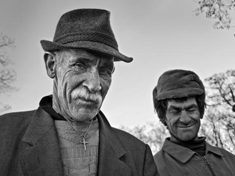 """Concours """"Le monde en 100 vies•âges"""" : les résultats • 10/10"""