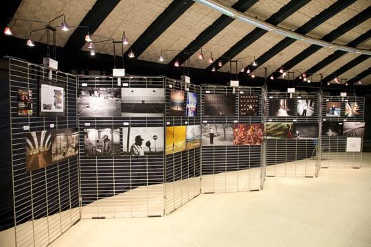 La Correspondance Visuelle est exposée au Centre Culturel de Riedisheim, un lieu où sont également présentées plus d'un millier de photographies venant du monde entier. © Compétence Photo
