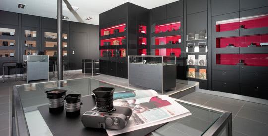 Le Leica Store Paris, 150 rue de la Pompe, Paris.