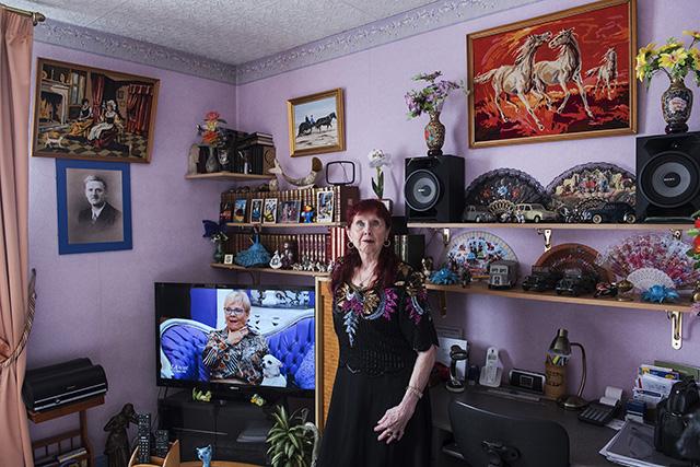 La cité Gagarine sur le départ. Yvette, 75 ans, a vécu 20 ans à Gagarine avec son mari Daniel. © Marie-Pierre Dieterlé