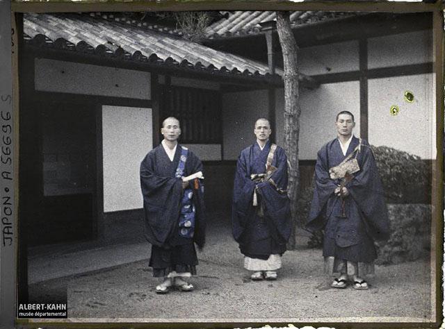 n° d'inventaire A56696S, Collection Archives de la Planète - Musée Albert-Kahn/Département des Hauts-de-Seine - Japon, Nara, prêtres bouddhistes, 1926