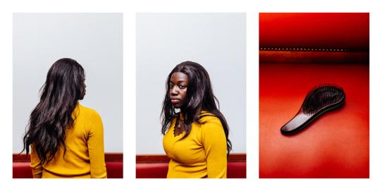 Bintou, résidente du foyer  Avant et après la séance photo, Bintou a utilisé cette brosse pour se coiffer longuement avec soin.