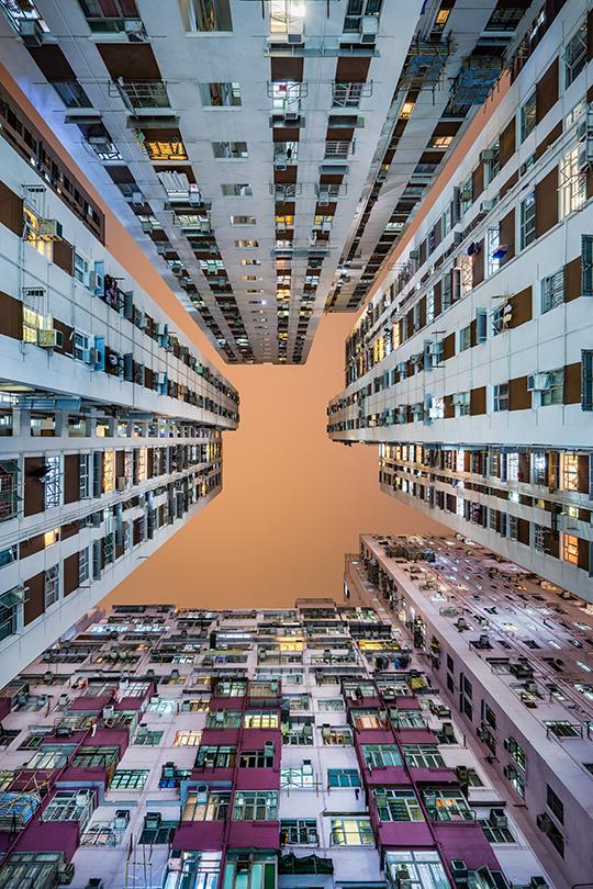 Quand les villes se tournent vers l'infini, Jérôme Cherrier les suit des yeux