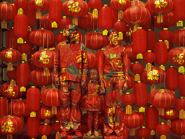 Family Photo, 2012. Série Hiding in the city Courtesy Galerie Paris-Beijing © Liu Bolin - Tous droits réservés