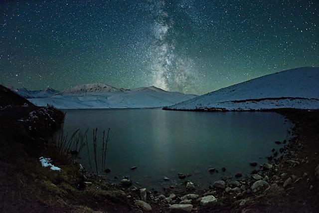 Elmar Akhmetov (Kazakhstan), catégorie Faible lumière • Open Competition • 2013 Sony World Photography Awards