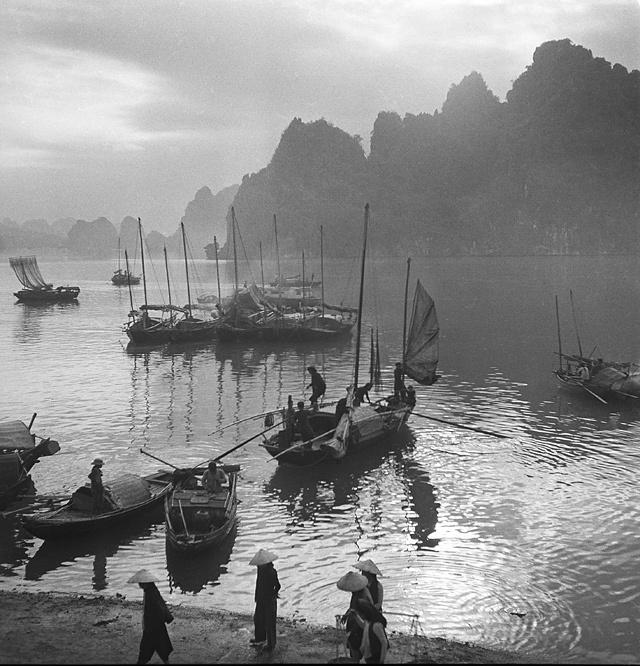 1953, Viêt-Nam, baie d'Along © Raymond Cauchetier