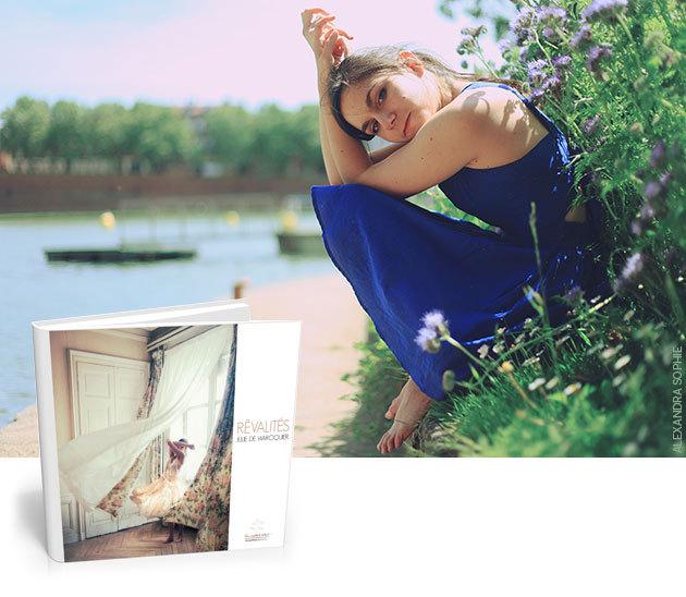 Julie de Waroquier dédicace les 11 dernières éditions limitées de son livre Rêvalités