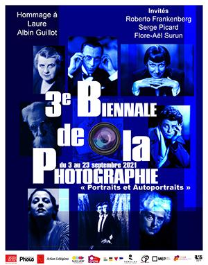 La Biennale de la photographie du 13e fête le portrait et l'autoportrait