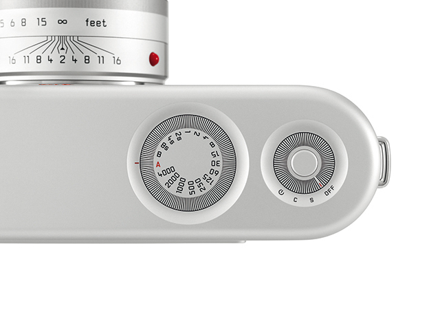 Leica M for (RED) : l'exemplaire unique designé par Jonathan Ive et Marc Newson