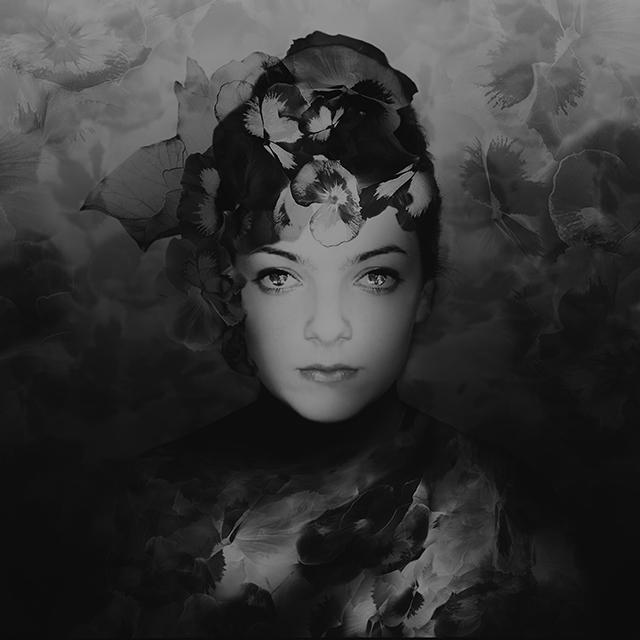 Diva, modèle • Marie-Claude Strausz