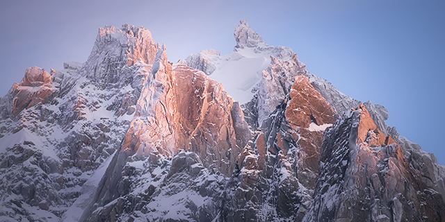 En décembre, ayez recours à un téléobjectif en montagne