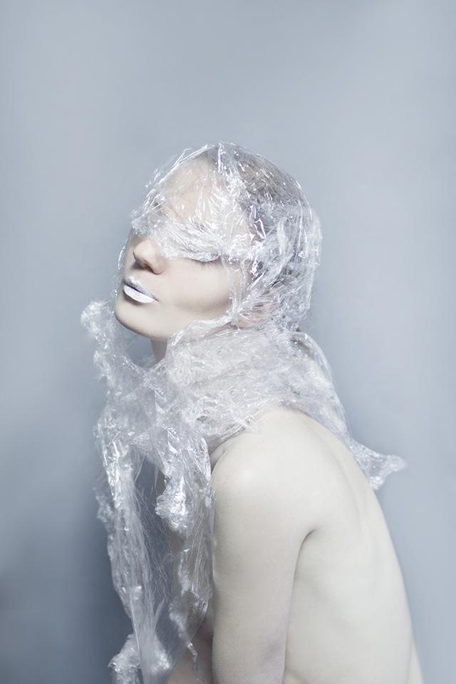 Re-cycle • épisode 3 : Cellophane • La série photographique racontée par Marion Saupin