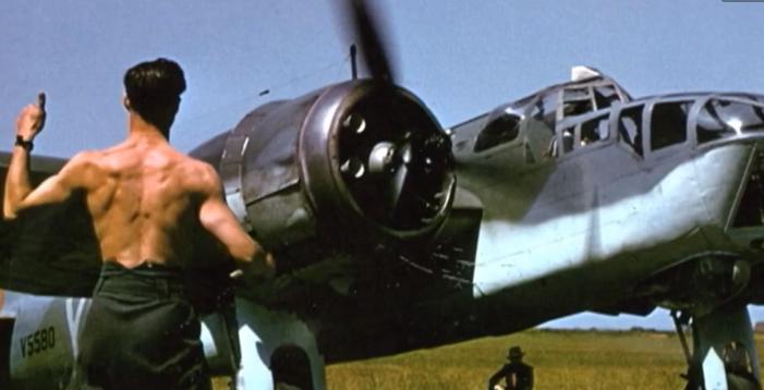 Des photos couleur de la Seconde Guerre Mondiale prises par Robert Capa et retrouvées par hasard