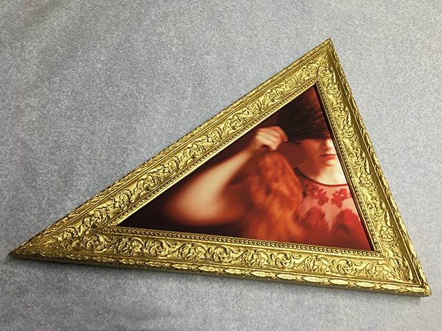 Un tirage triangulaire présenté au Salon Rendez-vous Image