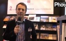 Philippe Escourbiac présente son imprimerie au Salon de la photo