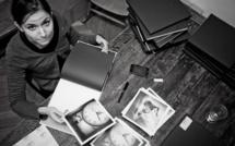 Julie de Waroquier dédicace son livre Rêvalités à Paris lors des Echappées Belles